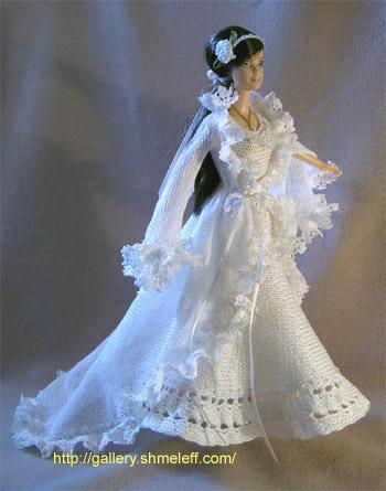костюмов для куклы Барби.